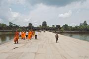 dave_yan_monks_angkor_wat